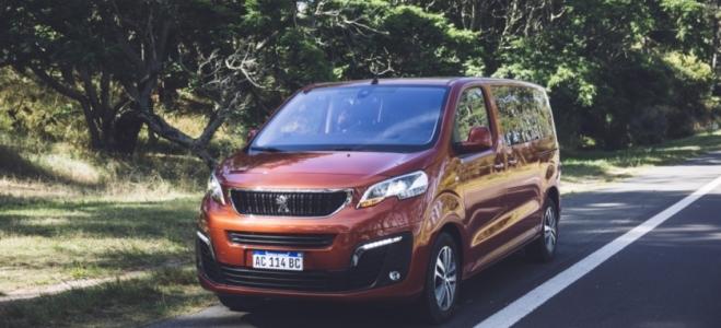 Lanzamiento. Peugeot presenta en la Argentina la Traveller, una van con capacidad para 8 pasajeros y motor diésel