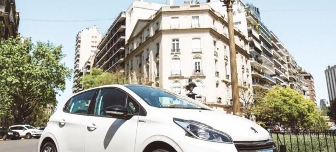 Lanzamiento. Peugeot presenta la versión 208 In Concert, en cobranding con JBL, con motor naftero de 115 CV