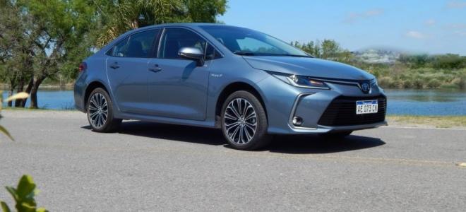 Toyota Corolla Hybrid, a prueba. Comenzando con el futuro de la movilidad con un sedan exitoso, bien equipado y con alta seguridad
