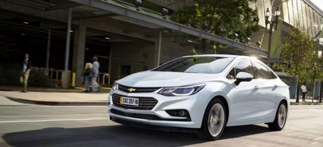 Lanzamiento. Chevrolet presenta el flamante Cruze, el sedan mediano que produce en la planta de la Argentina