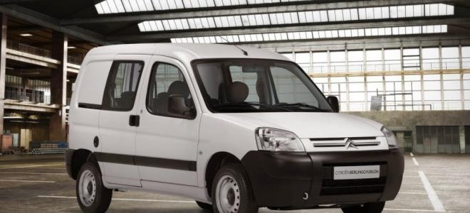 Citroën lanzó en nuestro país el Berlingo Furgón Mixto, con motor naftero o diesel