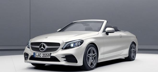 Lanzamiento. Mercedes-Benz comienza la comercialización del 300 C Cabrio, con motor naftero de 258 caballos de potencia