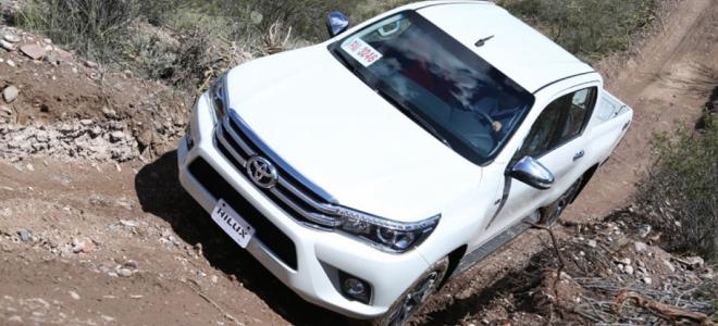 Toyota Hilux a prueba. Mayor perfeccionamiento para la pickup de producción nacional