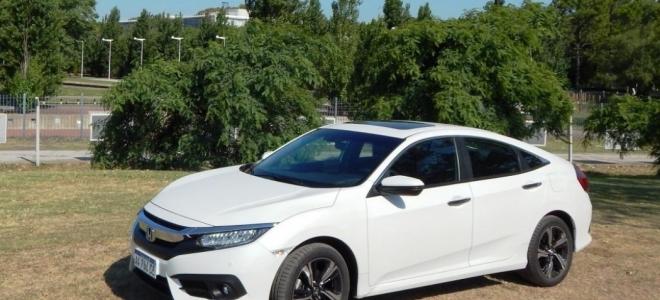 Prueba del Honda Civic. Tecnología, confort y excelente propulsor para continuar con el éxito en 10 generaciones