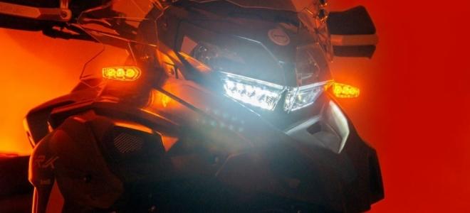 Motos. Benelli Argentina presenta la TRK 502 y TRK 502X, que mejoran el equipamiento y un motor de 47 caballos