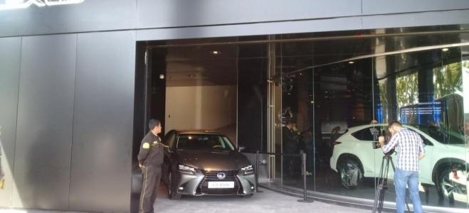 Lanzamiento. Lexus abre en la Argentina el primer concesionario oficial, Takumi, y presenta tres modelos en siete versiones con motores nafteros e híbridos